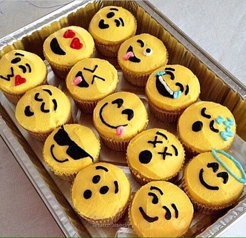 These emoji cupcakes will work great around my ideal cake!