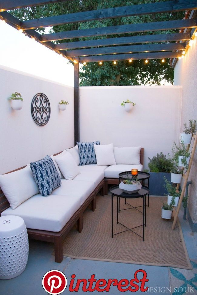 A Small Patio Makeover The Next Space That I Wanted To Show You In The Projeckking Full Home Transfo Small Patio Design Small Apartment Patio Patio Interior