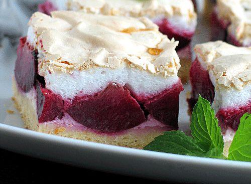 Prajitura cu prune si bezea este desertul perfect de sezon. Se prepara foarte…