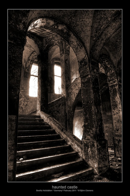 haunted castle: Spooky Haunted, Haunted Castles, Suppo, Haunted Houses, Haunted Places, Dark, Eudora Castles, Photo, Abandoned Places