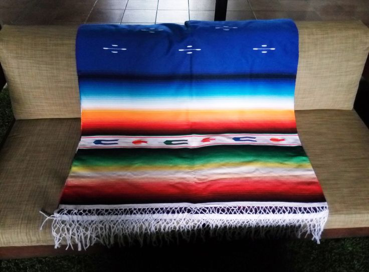 Sarape de Saltillo #jorongo #sarape #mexicandecoration #decoraciónmexicana #artesanal #enviogratis #comprasegura #compraonline #boho #bohohome #mexicanblanket #mantel