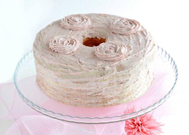 Spring Chiffon Cake con fragole e panna