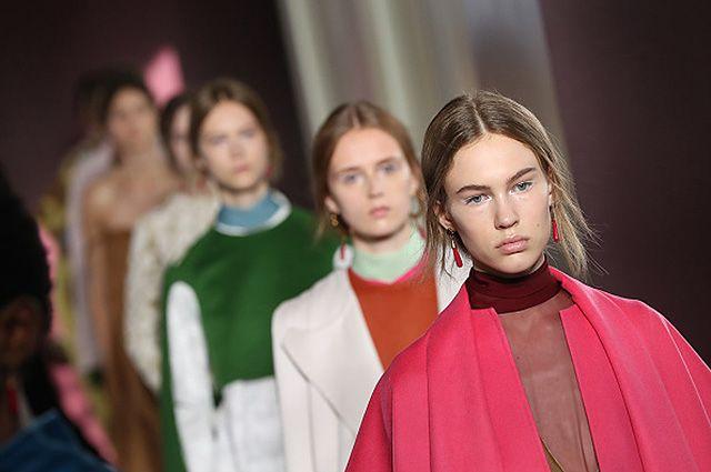Летиция Каста, Елена Перминова, Яна Рудковская и другие на показе Valentino Couture осень-зима 2017-18