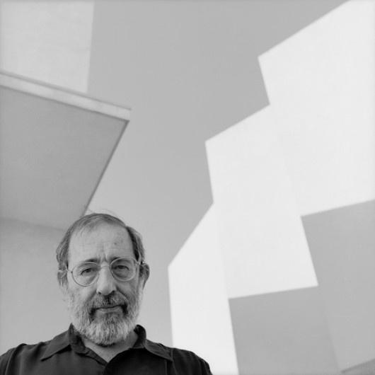 Álvaro Joaquim de Melo Siza Vieira, GOSE, GCIH (born 25 June 1933), is a Portuguese architect, and architectural educator. He is internationally known as Álvaro Siza. (Pritzker Prize 1982). Siza was born in Matosinhos, a small coastal town near Porto. He graduated in architecture in 1955, at the former School of Fine Arts of the University of Porto, the current FAUP – Faculdade de Arquitectura da Universidade do Porto…