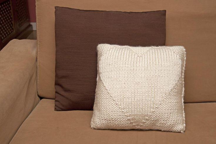 Ideas fáciles para tejedoras novatas: cojines de lana   Aprender manualidades es facilisimo.com