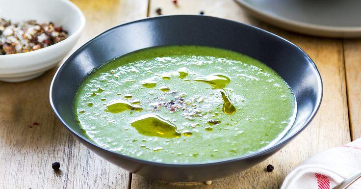 ČAS NA JARNÝ DETOX: Očisťujúca polievka s brokolicou, špenátom a zázvorom
