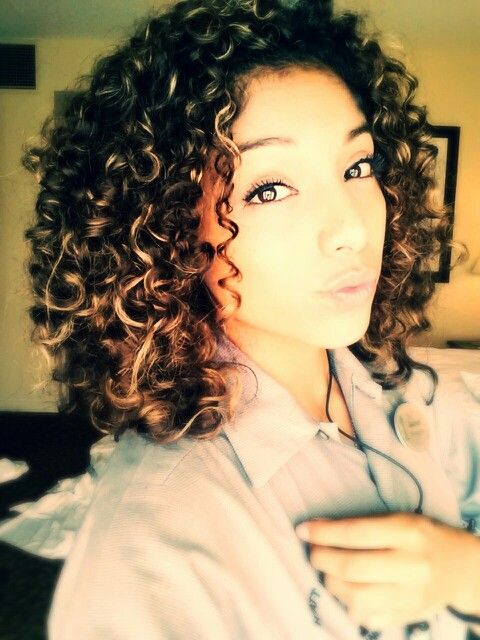 Natural curly hair. #diffuser. Brown with blonde highlights. -_- need to dye it asap! Lol