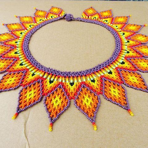 Collar corona del sol #mostacilla #chaquiras #colores #tradicional #moda #jaipono #collares