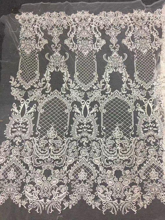 die besten 25 bestickte spitze ideen auf pinterest stickereikleid wedding dresses 2014 und. Black Bedroom Furniture Sets. Home Design Ideas