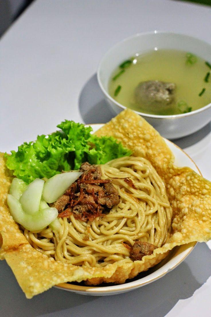 Cui Mie Khas Malang http://armeiliahandayani.blogspot.com/2014/10/cui-mie-khas-malang-yogyakarta.html?m=1