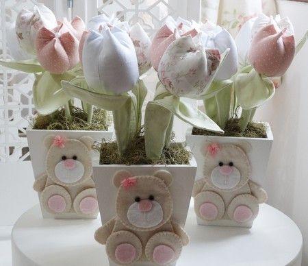 Vaso com tulipas e aplique ursinha - Infinita Arte for Baby