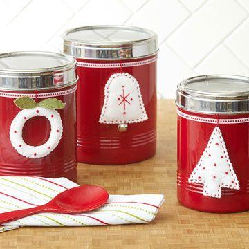 BetterHomes: CHRISMAS Handmade Crafts Ideas, Crafts for Kids, Custom Crafts and much more! http://www.bhg.com/christmas/crafts/#