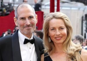 Mrs. Steve Jobs is reminded of the apple of her eye everywhere she goes. Laurene Powell Jobs, like most Americans, sees Apple products all around her. Every time someone watches a video on an iPad or texts a loved one with an iPhone, she thinks of her late husband.