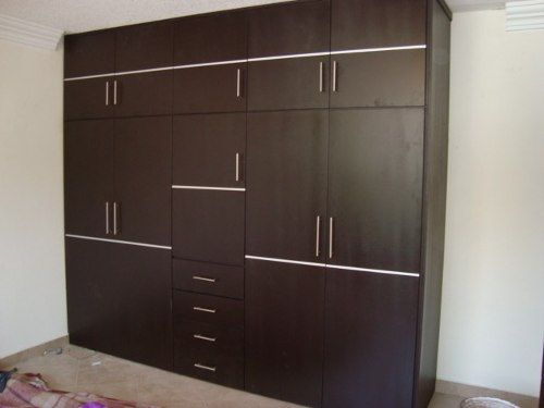 M s de 25 ideas incre bles sobre closets de madera for Closet medianos modernos