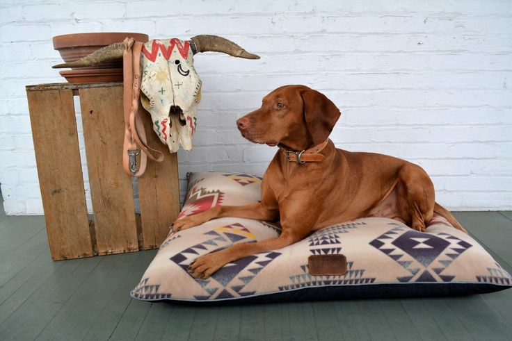 The Camp Bed is an American staple re-imagined for your best friend.  Made using a Southwestern printed, anti-pill fleece over denim, it is as stylish as it is comfortable.