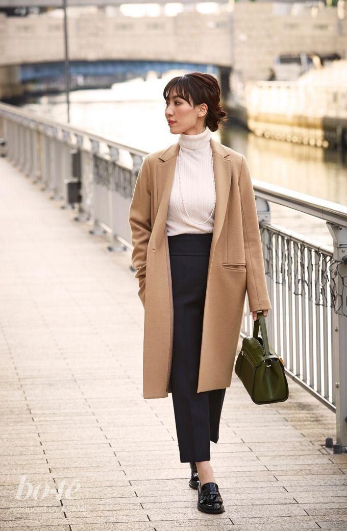 マニッシュなコーデには、小ぶりのワンハンドルバッグで女らしさをトッピング1#fashion #coordinate #ファッション