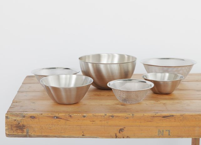 MARGARET HOWELL - SORI YANAGI http://www.thefoodtravelcompany.com/blog/margaret-howell-homeware/