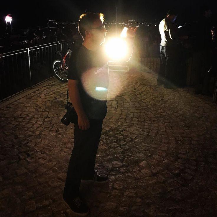 Qualche sera fa ho incontrato #dio #onnipotente  mi è apparso nei pressi della torre delle stelle. #beautiful #vision @costatuccori il  Mago della #fotografia direttamente da gagliano. #followme #follow #follow4follow la #luce !!!