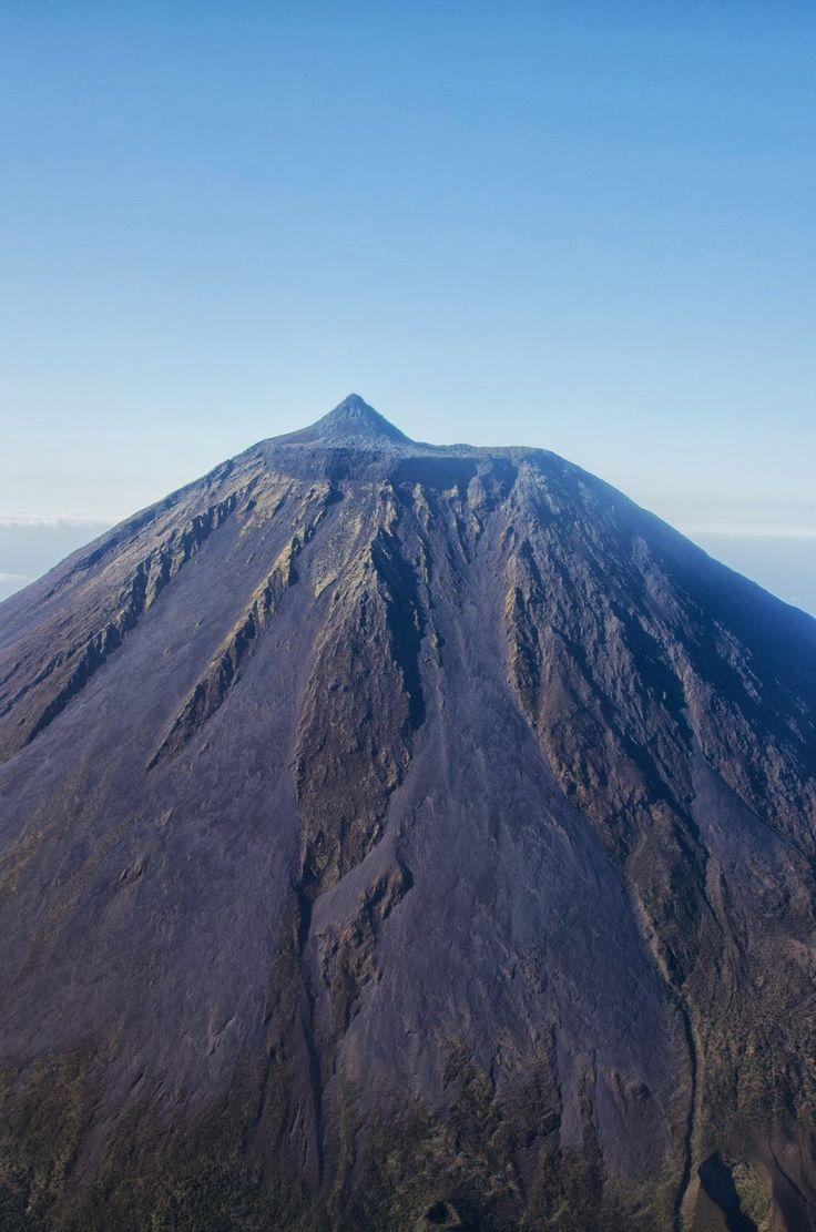 Pico Mountain 2351 m  - Pico island - Azores Portugal