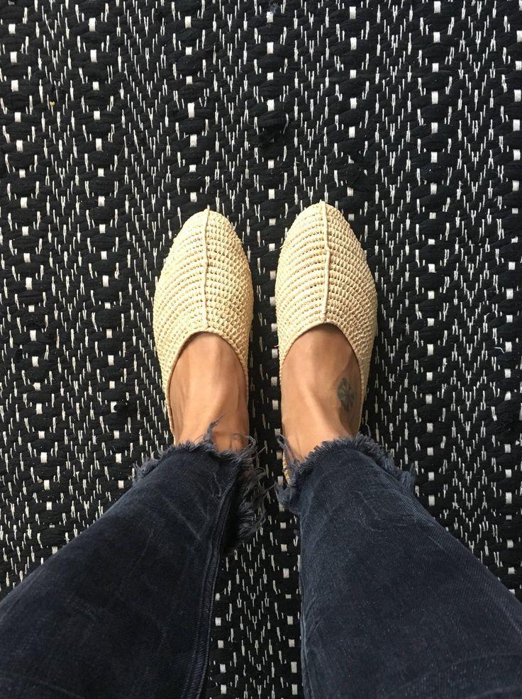 SALE - Raffia Slipper Schuhe - handmade - Bast Stroh Babouche Rafia Raphia von Hanishken auf Etsy https://www.etsy.com/de/listing/580329133/sale-raffia-slipper-schuhe-handmade-bast