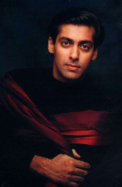 Young salman  But gotta admit he still looks even more dashing now days  Love it ❤️❤️❤️
