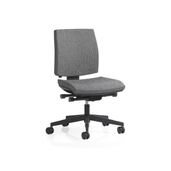 The Kinetic Medium Back Chair is the Pinnacle of Italian Design and Movement Engineering. No longer does the user have to adapt to the chair. The unique A-Synchron mechanism allows the seat & back to move independently of each other, while also allowing the user to swing while seated #seated #kinetic #mediumback #office seated.com.au
