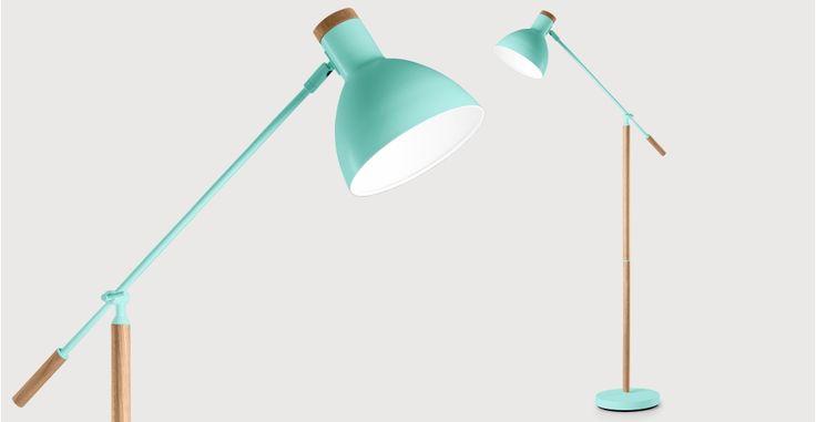 Cohen Stehlampe in Türkis und Eiche Natur | made.com