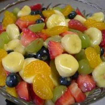Fruit Salad To Die For!  1 can(s) pineapple chunks, in their own juice 1 can(s) mandarin oranges, drained 1 bunch green grapes, halved 2 bananas 1 pkg strawberries, sliced however you want 1 box small box of vanilla instant pudding (jell-o brand only - others just don't taste right) 1 you can also add other fruits that you like to this as you please.