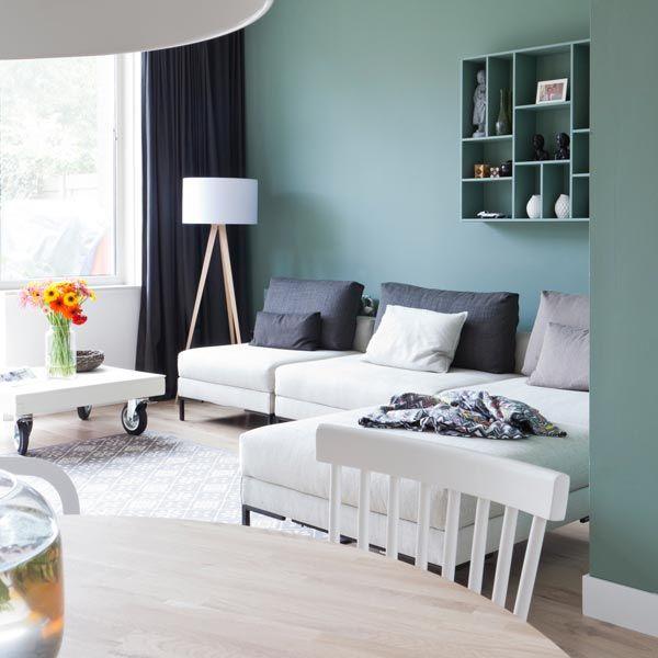 Refined modern green wall, Scandinavian living room