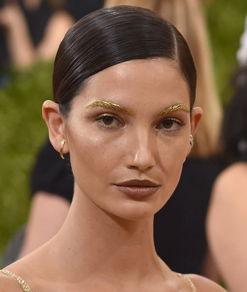 Lily Aldridge Photos - Lily Aldridge attends the 'Manus x Machina: Fashion In An Age Of Technology' Costume Institute Gala at Metropolitan Museum of Art on May 2, 2016 in New York City. - 'Manus x Machina: Fashion In An Age of Technology' Costume Institute Gala - Arrivals