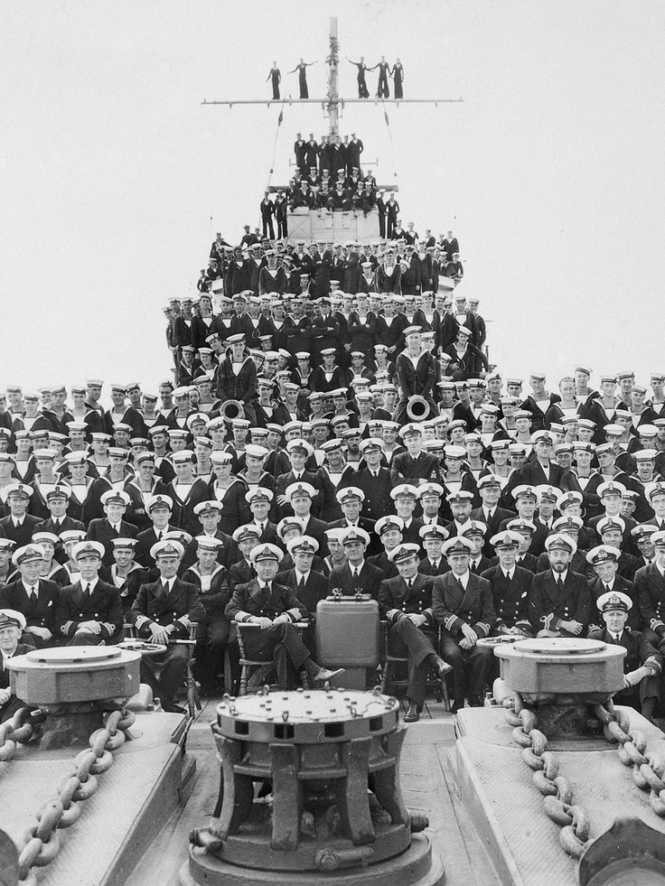 The crew of HMAS Perth in 1941, at Fremantle, WA