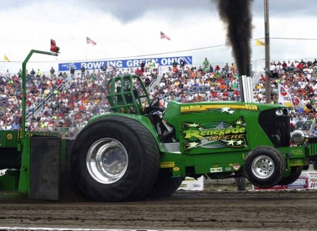 Renegade Deere @ Bowling greenTractors Pulled, Tractors Trucks Pulled, Drag Tractors, Pulled Tractors, Trucknn Tractors