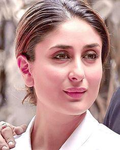 Slaying 24/7 - The beautiful Kareena Kapoor Khan!  @BollywoodReport