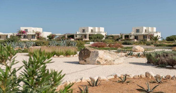 "Discover Villa ""Aigle"", Paros Island, Greece ! You can rent it ! #luxury #villa #rent #holidays #greece #vacances #grece #alouer #aroomwithaview #sea #bedroom #decoration #swimmingpool #beautiful #sunset #luxuryvilla"