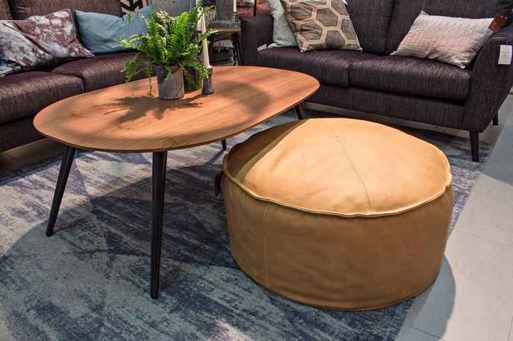 Arctic Coffee table with Ruby Foostool