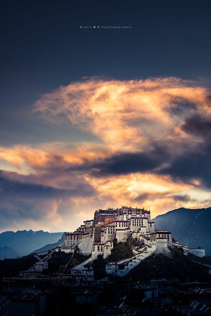 雄踞_这座雄踞于3700高地、世上规模最大最高的宫殿式建筑群 有着无比 ...
