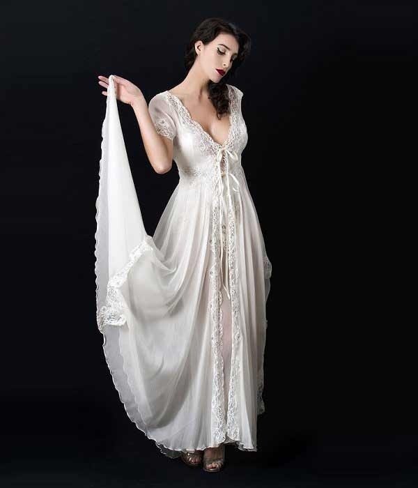 Pin On Nightgowns & Peignoirs