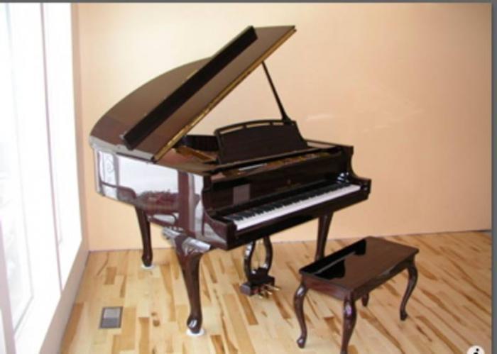 Piano C Kurtzman Antique Upright In Good Condition In