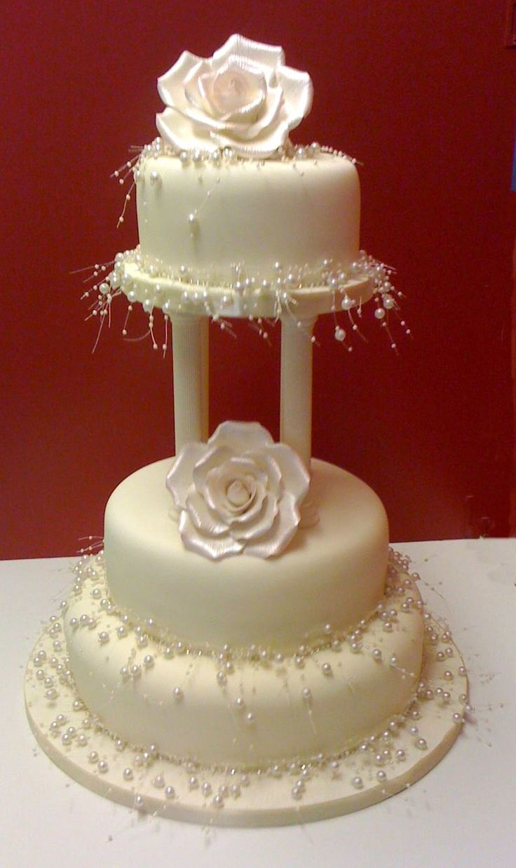 pearl wedding cake designs best 25 pearl wedding cakes ideas on silver 18169