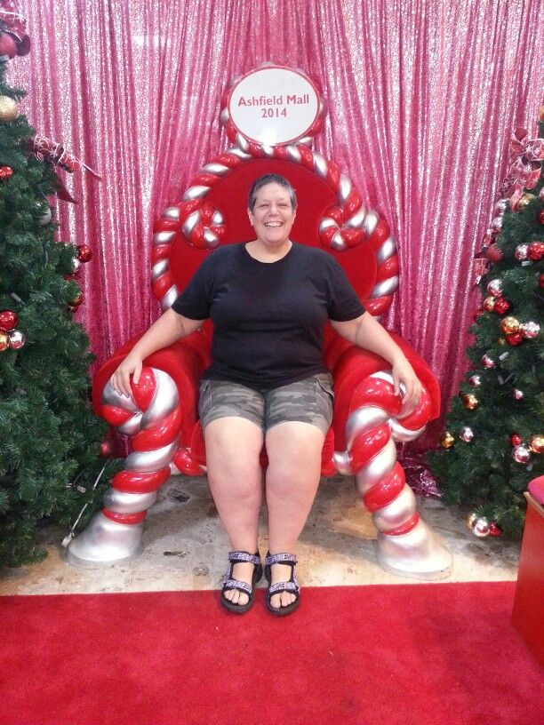 Friday eve grocery shopping. Santas throne at the mall was empty... whats a girl to do?