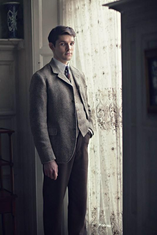 prome still, colin morgan in a testament of youth as victor richardson
