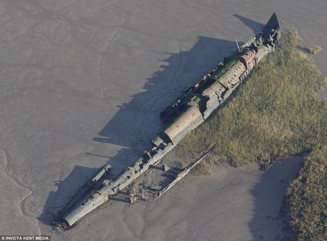 WW1 U Boat exposed by extreme low tides. Not been seen for 95+ years.