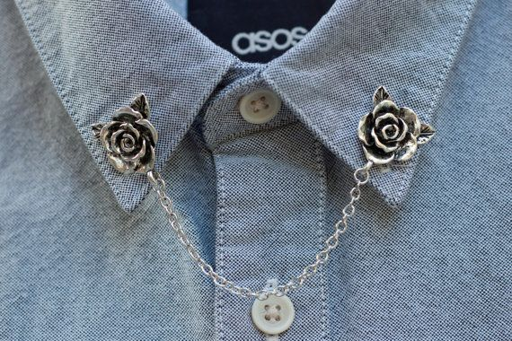 Rose collar chain to liven up your collar. Attaches with a pin at the back of each rose. Roses are about 3/4 of an inch wide and the chain is