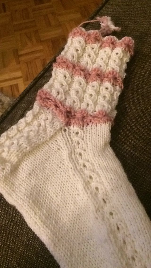 Siskolle ihastukset novitan sukkalehdestä :)