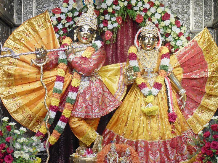 #DailyDarshan #Brahmotsava Day 8 (17-April-2017) - Special Alankara for Their Lordships. Download high-resolution wallpapers at http://goo.gl/POSQyz