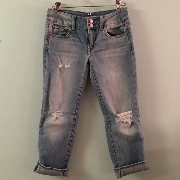 American Eagle artist crops Distressed American eagle capris! Super cute and form fitting on. American Eagle Outfitters Pants Capris