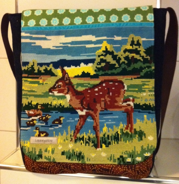 Messenger bag with embroidery