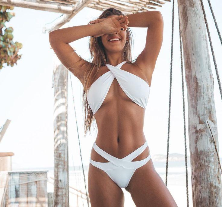 Biquíni branco: 60 modelos para um look estiloso de verão em 2020 | Biquini branco, Fotos de biquíni, Biquini