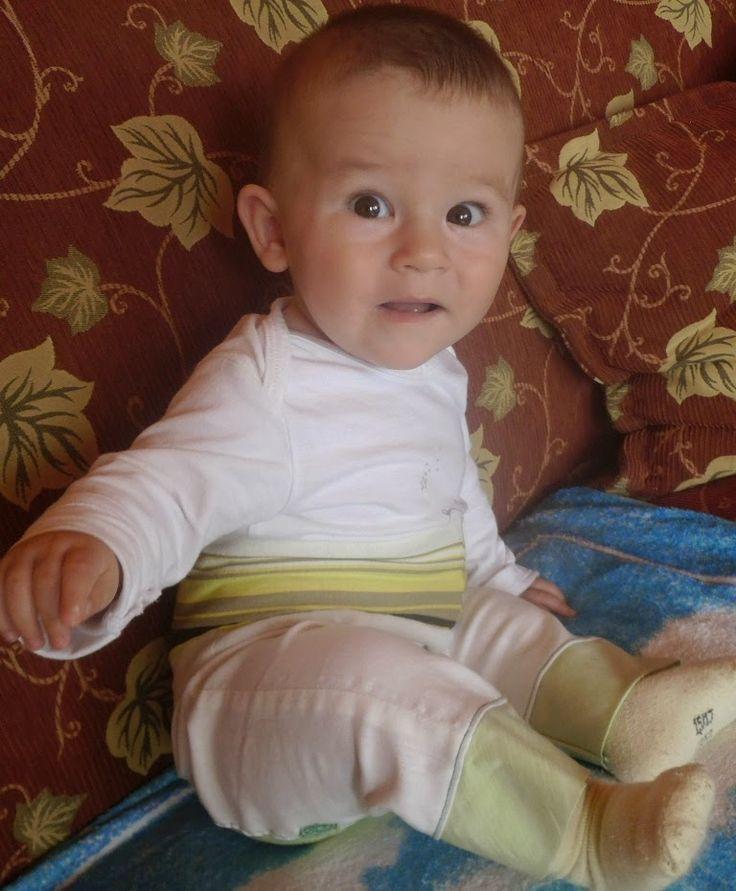 Bébibogyó nadrágja. Baby pants.