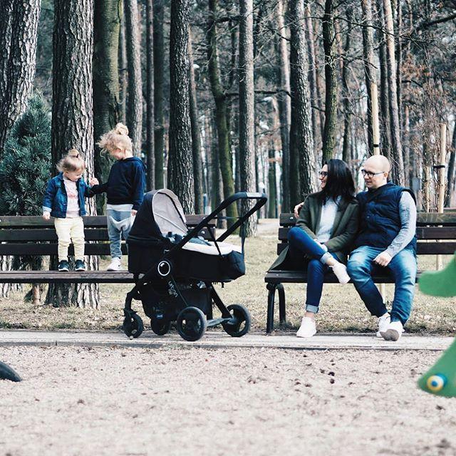 To był super udany dzień. Rano zdjęcia potem spacer rowery a na koniec plac zabaw. Korzystaliśmy dziś z pięknej pogody bo na weekend znowu zapowiadają śnieg  A juz myślałam że wiosna zaprzyjaźnila się z nami na dobre  #rodzicewsieci #blogparentingowy #blogrodzinny #familygoals #justbaby #igkids #instamatki #instadziecko #kidsoninstagram #douterslove #motherlife #mojewszystko #childhood #parenting #wielodzietni #bigfamily #largefamily #dadof3 #momof3 #polishfamily #ourtime #wiosna…